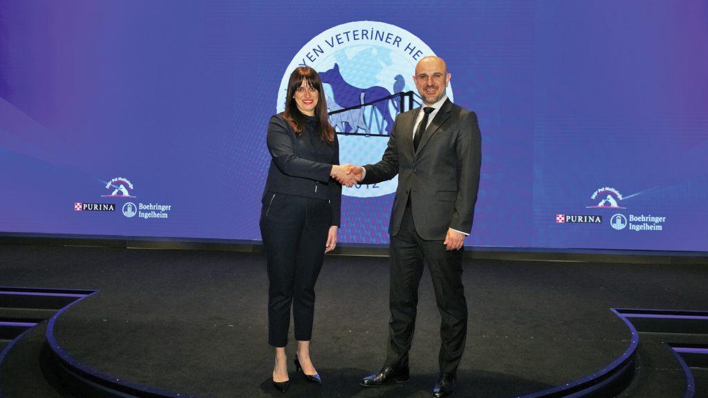 Nestlé Purina ve Boehringer Ingelheim hayvan dostları için güçlerini birleştirdi